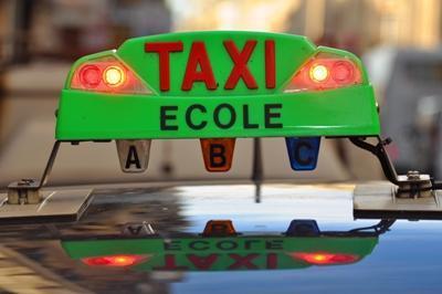 Le lumineux taxi de l'Ecole BBV